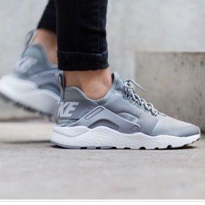 Used Gray Nike Huarache Ultra